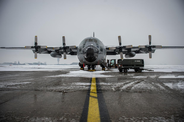 Een C-130 op de militaire luchthaven in Melsbroek. Beeld BELGA