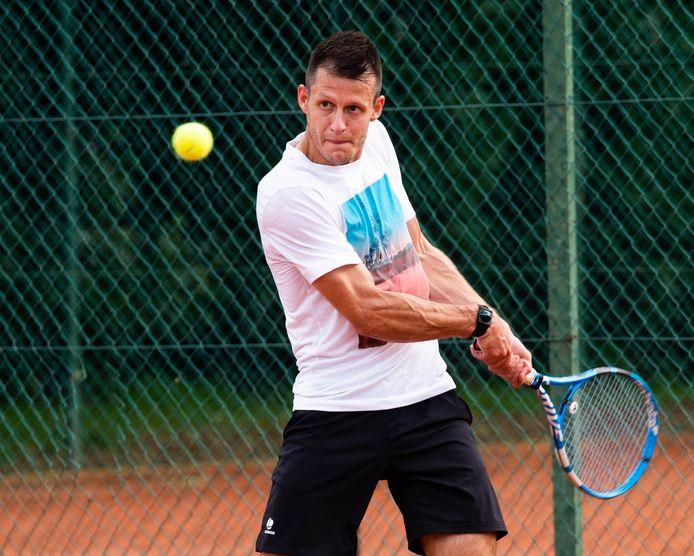 Karsten Wuyts geraakte op zijn thuisclub Diest tot in de finale, maar moest de toernooizege aan Alexander Gilisen laten.