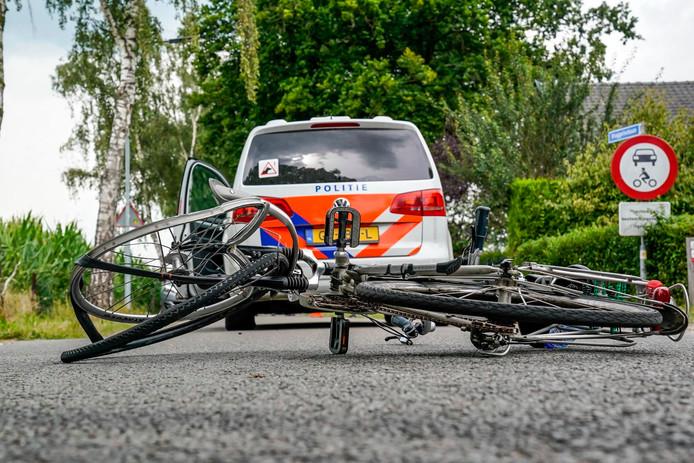 Botsing tussen fiets en auto in Oosterhout