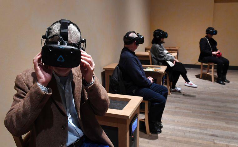 Dankzij VR waan je je in Modigliani's atelier. Beeld EPA