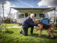 De Vereniging van Alleengaande Kampeerders is in Twente eindelijk weer samen: 'Ja, er gebeurt hier wel eens wat'