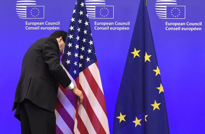 Washington n'entend plus faire cavalier seul dans son offensive contre la Chine. Joe Biden avait indiqué qu'il resterait ferme vis-à-vis de Pékin mais avait évoqué l'idée de faire front commun avec notamment l'Union européenne.