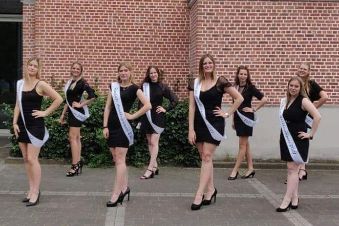 De acht finalisten voor het kroontje van de 59ste Aardbeiprinses staan zaterdag op het podium.