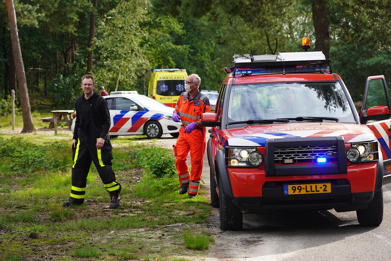 Hulpverleners aan het werk in Dorst.