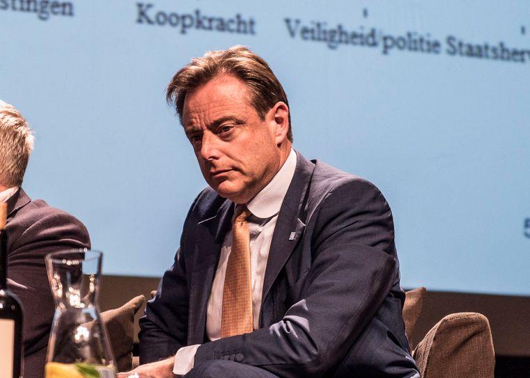 Bart De Wever op het 'kopstukkendebat' in de Vooruit. De kans is niet onbestaande dat de score van N-VA in de peilingen nog wat onderschat wordt. Beeld BELGAONTHESPOT