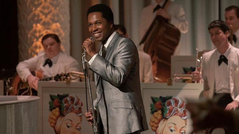 Leslie Odom Jr. als Sam Cooke in One Night in Miami.  Beeld
