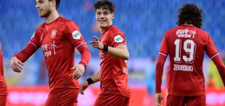 Jans tempert verwachtingen rond Van Leeuwen na treffers tegen Zwolle: 'Thijs is nog volop in ontwikkeling'