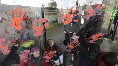 Klimaatactivisten viseren nu ook financiële sector: kantoor BNP Paribas Fortis geblokkeerd