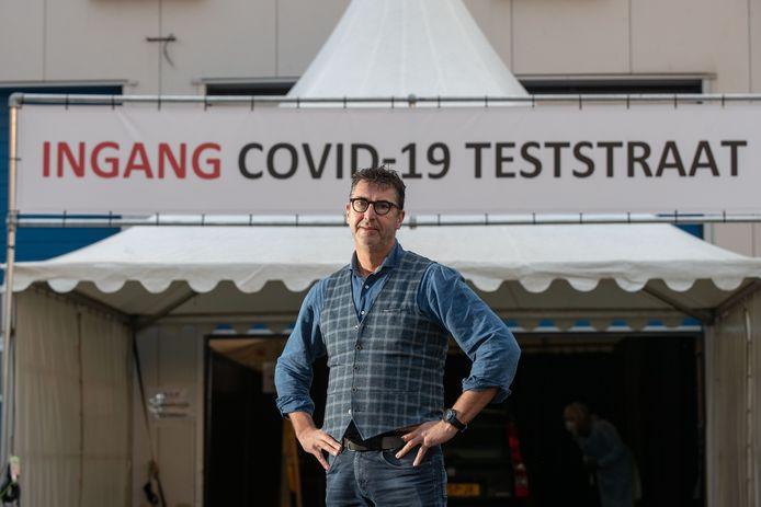 Henk Slump, eigenaar van Slump Catering & Events, is met coronateststraten begonnen in Bant, Zwolle en Biddinghuizen