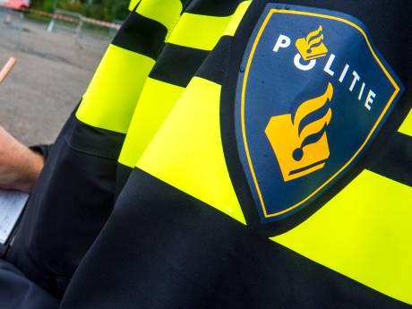 Met telefoon spelen in de auto en te hard rijden: meerdere mensen op de bon geslingerd in Dordt