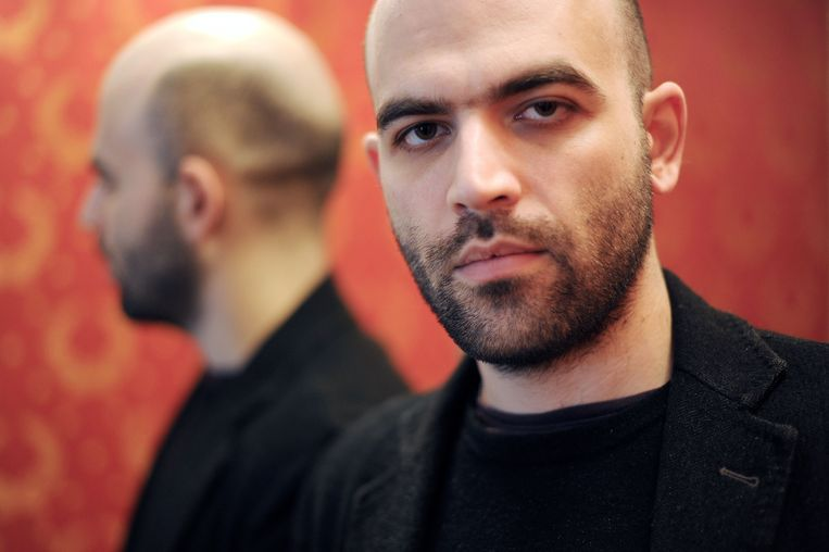 De Italiaanse schrijver Roberto Saviano.  Beeld AFP
