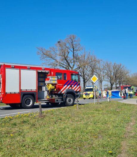 Traumahelikopter ingezet bij zwaar ongeval tussen auto en fietser in Haaksbergen