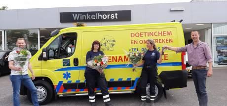 Dierenambulance Doetinchem/Winterswijk dolblij met nieuwe bus