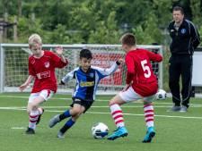 Jeugdteams mogen weer voetballen: 'Heerlijk dit, gelijk die spanning en emotie'