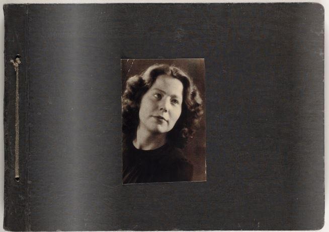 Er was zo goed als geen beeldmateriaal bekend van Hannie en haar familie uit haar jeugdjaren.