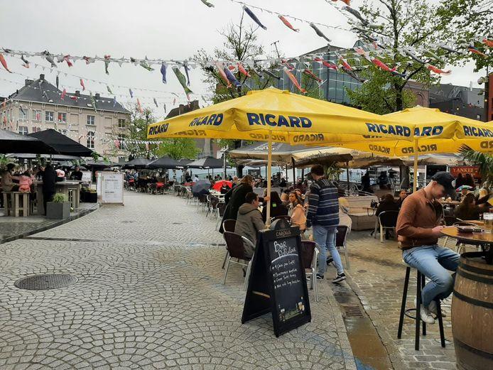 De Vismarkt in Mechelen op zaterdagmiddag.