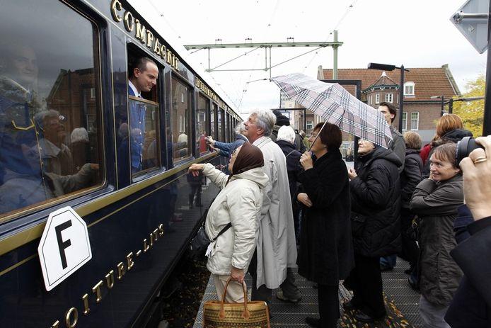 De Oriënt Express is dinsdagavond te zien op station Gouda.