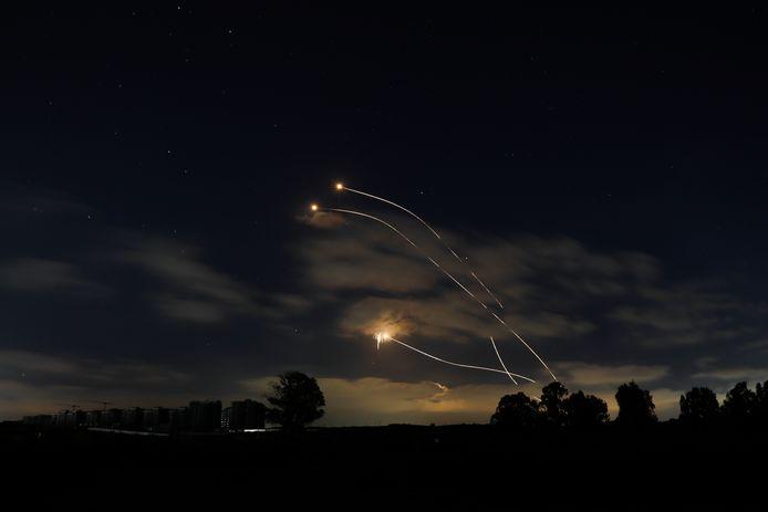 Raketten boven Israël.