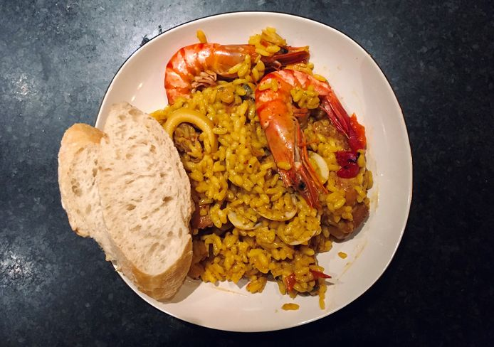 Brasserie Magnifico in Houthalen-Helchteren zorgt voor de zuiderse, Spaanse sfeer met hun huisgemaakte paellaschotel.
