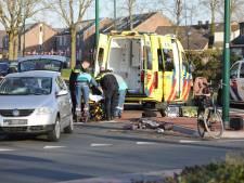 Vrouw met peuter op e-bike gewond bij aanrijding in Bunschoten