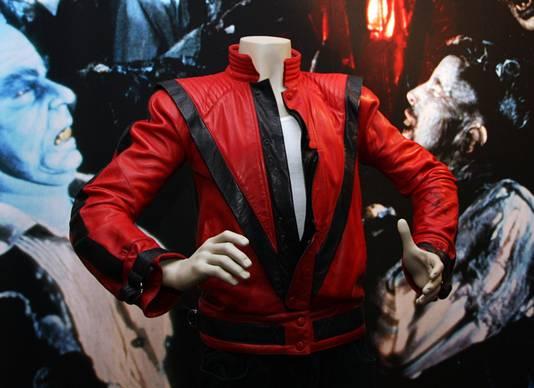 Het jasje dat Michael Jackson droeg in de videoclip van Thriller geldt als het duurste jack ooit verkocht op een veiling