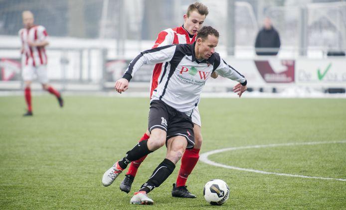 """De 40-jarige Daan Akkerman wilde zijn carrière niet beëindigen in de coronaperiode en ging dit seizoen door bij Sparta Enschede.  """"Maar nu speelt het nog steeds."""""""
