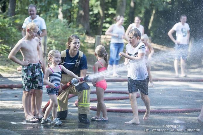Waterfestijn op de Marijkeschool in Nijverdal