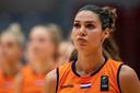 Chatilla Van Grinsven met het Nederlandse basketbalteam tijdens een EK-kwalificatiewedstrijd tegen Slowakije, 11 november 2020.