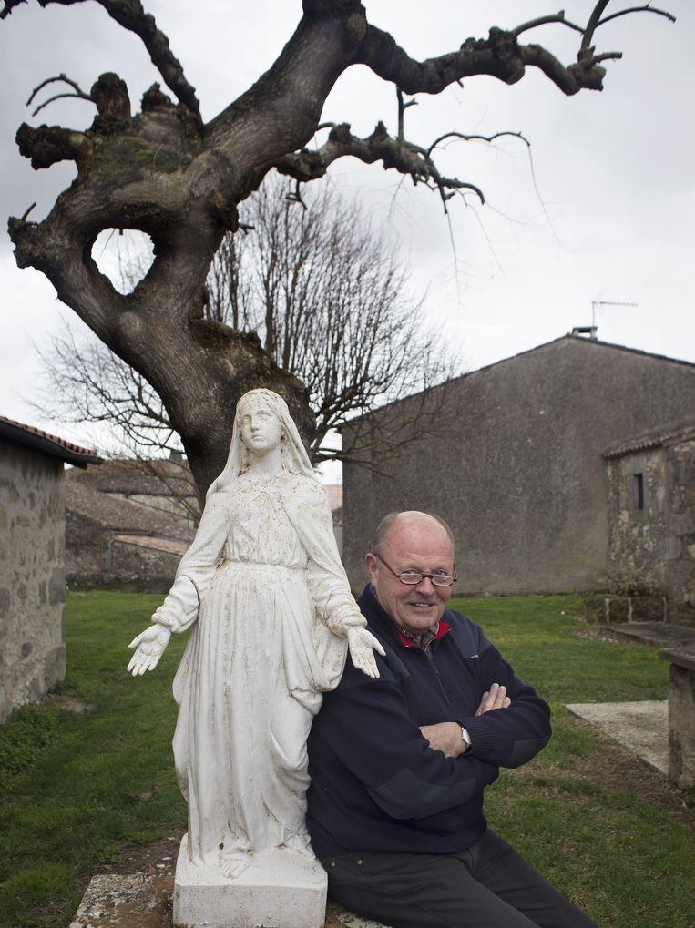 Hans Vrakking op zijn vakantieadres in Frankrijk. 'Er waren serieuze berichten dat criminelen Teeven wilden ontvoeren.' Beeld Hans Heus