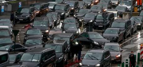 Un millier de chauffeurs Uber et de taxis à Bruxelles: d'importants embarras de circulation ce jeudi matin