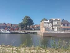 Havenmeesters in plaats van barkeepers op de kop van de Havendam in Harderwijk