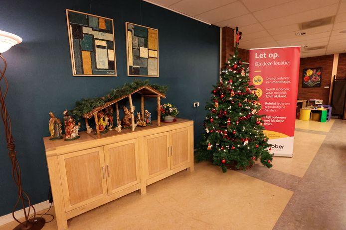 Kerstsfeer bij verpleeg- en verzorgingshuis Floriaan in Bladel. Voor bezoekers gelden ook met Kerstmis duidelijke regels en afspraken.