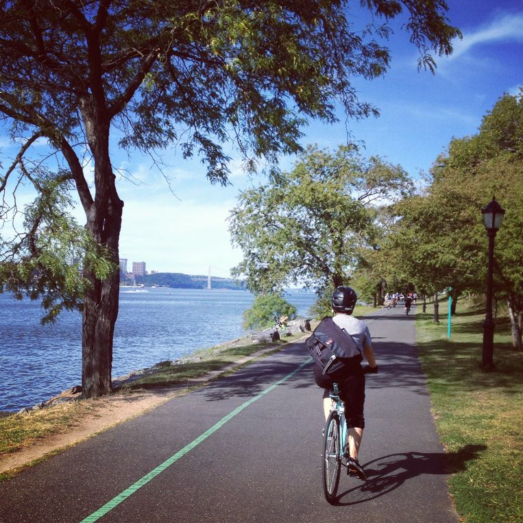 Heerlijk fietsen op de 20 km lange Hudson River Greenway.  Beeld Thibaut Renard