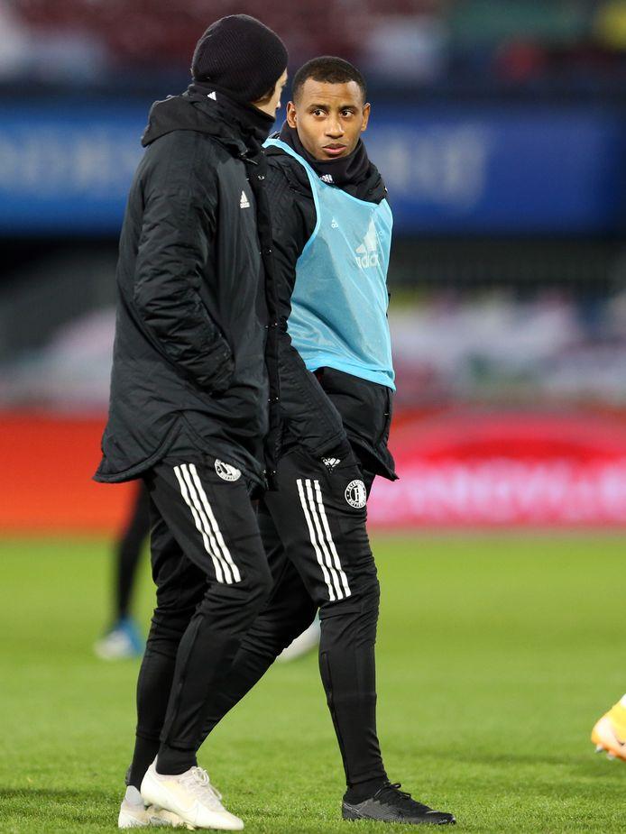 Luciano Narsingh woensdag na de wedstrijd tegen Heracles. Het waren zijn laatste stappen als Feyenoorder in De Kuip.
