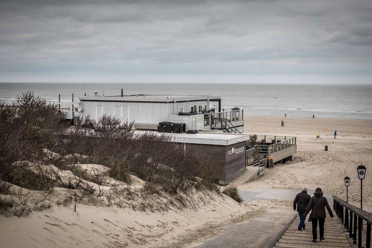 Sluis ging op slot, maar dat weerhield Belgen er niet van om toch de grenzen over te steken naar badplaatsen zoals Cadzand.  Beeld Bas Bogaerts