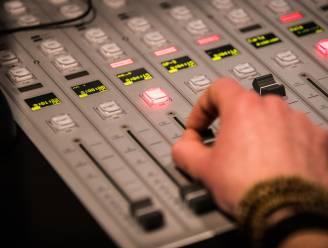 """Tijdelijk radiostation voor Beverse jeugdverenigingen: """"Contact houden met leden en geld in het laatje brengen"""""""