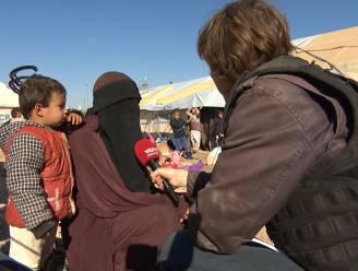 VTM NIEUWS-journalist bij Belgische IS-vrouwen in grootste gevangeniskamp van Syrië