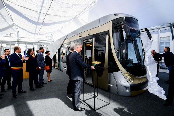 Koning Filip onthult de nieuwe Brusselse trams