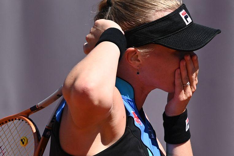 Kiki Bertens had het moeilijk gisteren tijdens haar wedstrijd tegen Polona Hercog op Roland Garros.  Beeld AFP