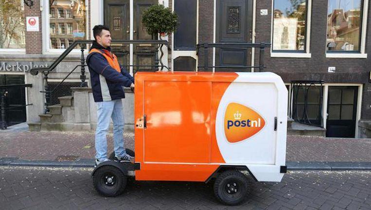 Hier op het droge: een stint waarmee PostNL deze zomer in Amsterdam post wil gaan ophalen en bezorgen. Beeld Wiebe Kiestra/PostNL