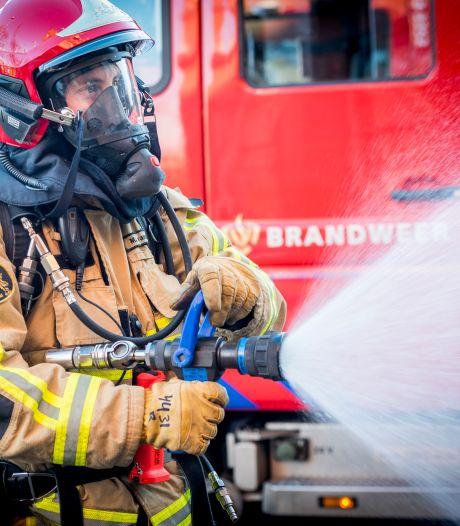 Schuurbrand slaat over naar woning Zevenhuizen, mogelijk asbest vrijgekomen
