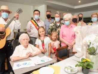 Elza Leroy viert 102de verjaardag in Residentie Neerhof in Elst