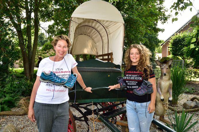 'Brain Rebels' Irene Kagei (rechts) en Annelies van der Meen organiseren een wandel-crowdfundingactie.