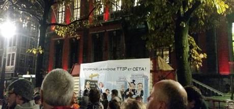 """Les agriculteurs soutiennent le """"non"""" au CETA à Liège"""