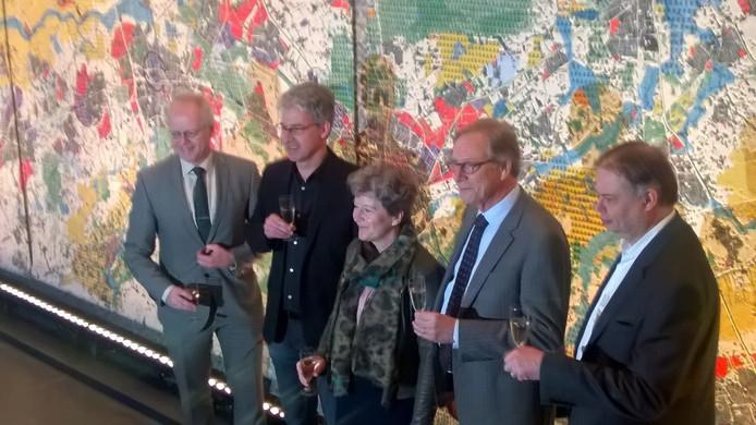 Volgorde van links naar rechts: Jan van Groos, Mart van der Poel, Jannita Robberse, Yves de Boer, Jan Hoskam.