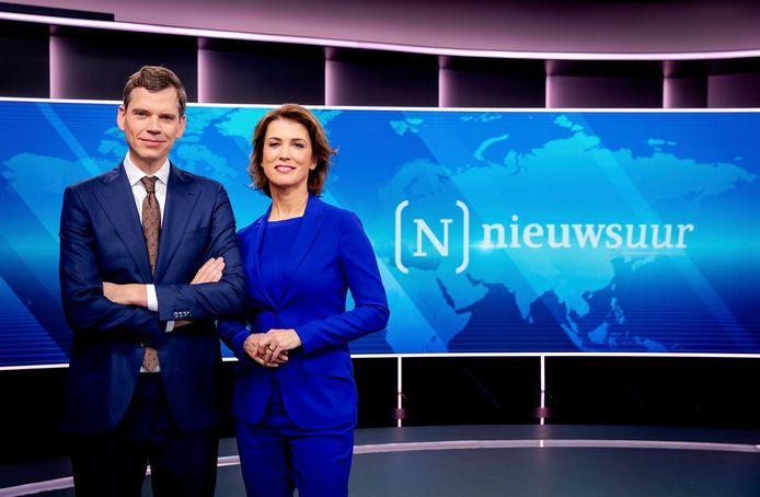 Nieuwsuur-presentatoren Mariëlle Tweebeeke en Jeroen Wollaars.