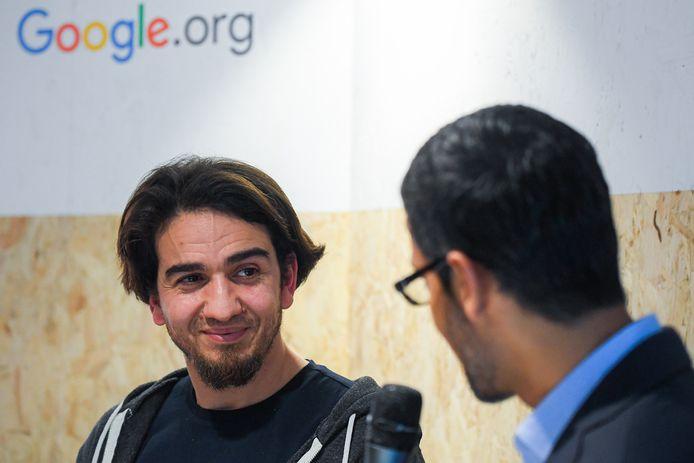 Ibrahim Ouassari met Google-baas Sundar Pichai.