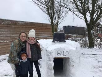 """Sneeuwpret is ook... samen een échte iglo bouwen: """"En het is er echt verrassend warm binnen"""""""