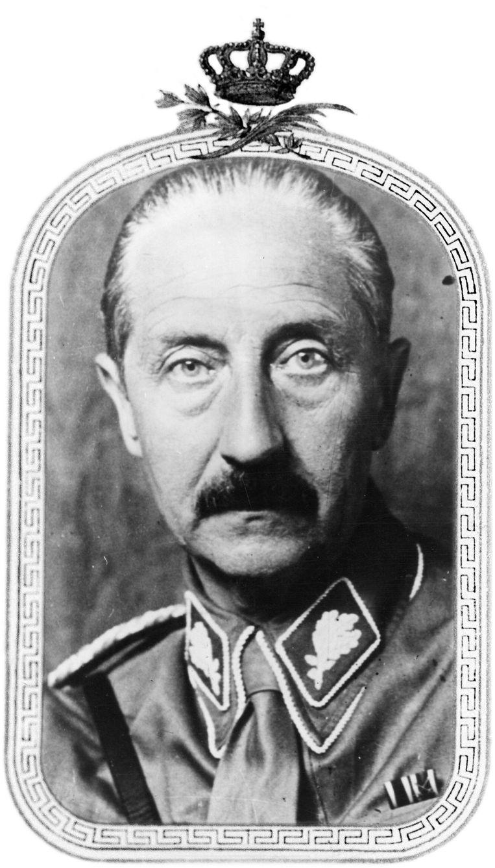 August Wilhelm van Pruisen (1881-1949), de vierde zoon van keizer Wilhelm II, gefotografeerd in het uniform van de  SA. Beeld Getty