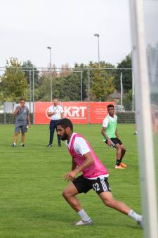 Arabische voetbalclub Al-Wadha traint bij VV Gilze